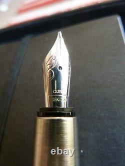 Alfred Dunhill Sentryman Fountain Pen Carbon Fibre In Presentation Box
