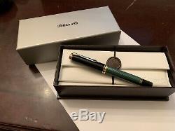 Pelikan Souveran M-800 Green 18k Gold, F Nib, Original Box & Docs