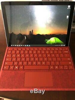 Microsoft Surface Pro 7 Bundle, Open Box, Sans Défaut, Comprend Couverture Et Pen