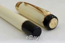 New Mint & Boxed Parker Duofold International Ivoire Et Noir, Or / T Fountain Pen