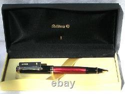 Pelikan R600 Roller Stylo À Bille Rouge Et Noir Or Trim Nouveau Produit En Boîte