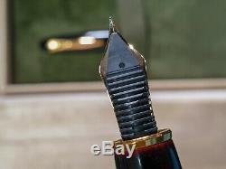 Platinum Izumo Urushi Dark Red Fountain Pen Avec 18 Kt Plume En Or Avec La Boîte
