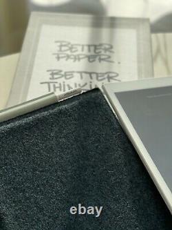 Tablette En Papier Remarqueable 1ère Génération Avec Folio, Et Stylo Supplémentaire Flambant Neuf Dans La Boîte