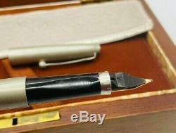Vintage Parker 75 Bicentenaire Étain Fontaine Pen Le 14k Beaux Nib Boxed Parfait